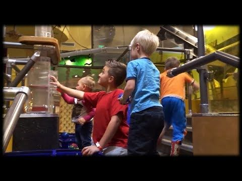 Amazing Indoor Play With Balls, Vaccum Tubes, and Air! Cool Pneumatic Tubes Structure at Kids Museum