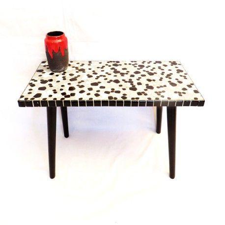 Vintage bijzettafel / tafel met mozaïek bovenblad en schuine pootjes uit de jaren '70