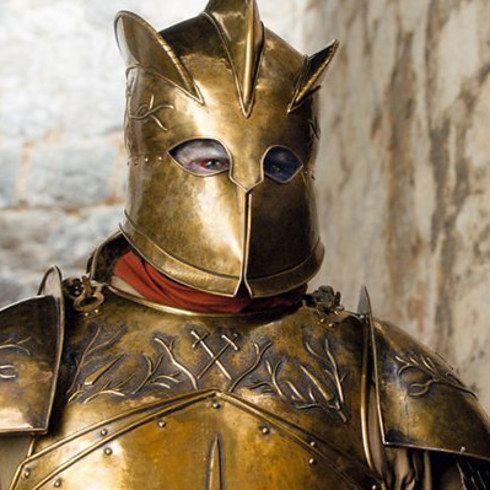 """Os atores do elenco de """"Game of Thrones"""" no primeiro e no último episódio - - Primeira Aparição: """"Cripples, Bastards and Broken Things"""" (Episódio 4, Temporada 1) Última aparição: """"The Winds of Winter"""" (Episódio 10, Temporada 6) - Gregor Clegane (Mountain)"""