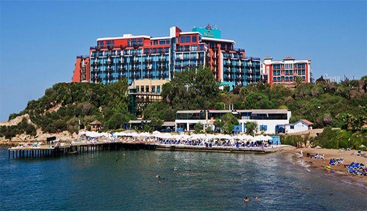 Merit Crystal Cove & Casino  Kıbrıs'ın en güzel koylarından birinde yer alan Merit Crystal Cove Hotel, sevdikleriyle unutulmaz bir tatil yaşamak isteyenleri bekliyor. http://bit.ly/1iS3oEN #etstur #KeskeTatilOlsa #tatil #holiday #travel