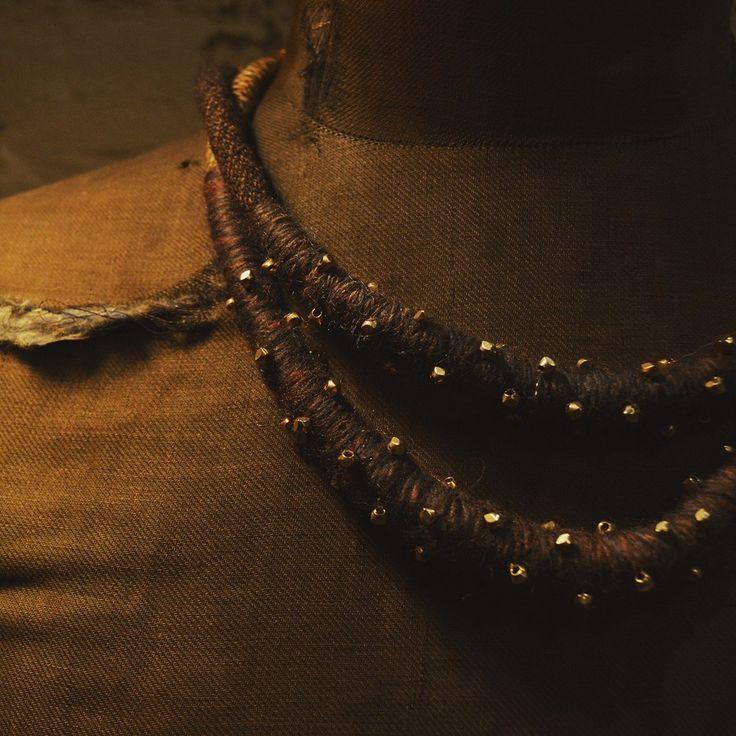 Collares de lana y piedra natural by @larosademariaco