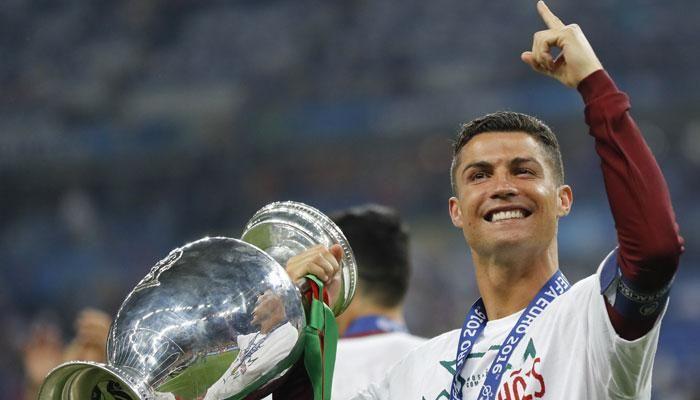 Cristiano Ronaldo Bantu Korban Kebakaran Di Kampung Halamannya