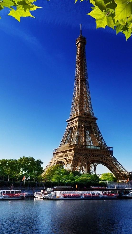 Eiffel Tower Paris The View From The Top Is Breathtaking Favorite Places I 39 Ve Been