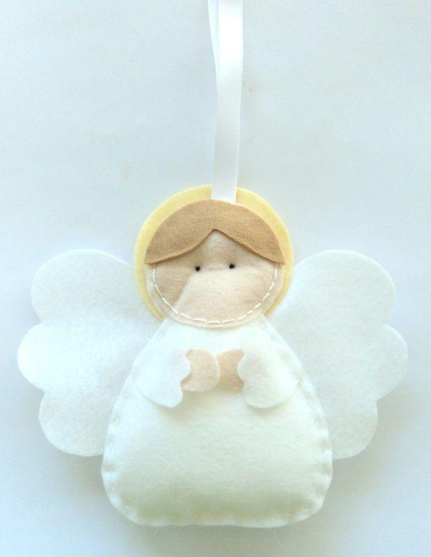 Este angelito de fieltro es ideal para el árbol de #Navidad || Felt Angel