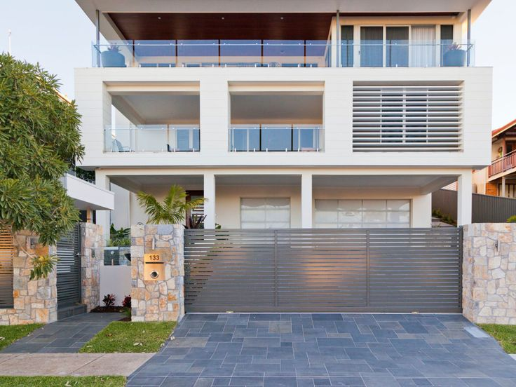 Eco Outdoor Coolum limestone random ashlar walling and bluestone paving used in contemporary landscape design. Eco Outdoor | Utopia Landscape Design | Landscape Surrounds | Coolum limestone random ashlar walling | bluestone pavers | livelifeoutdoors | Outdoor Design | Natural stone flooring + walling | Garden design | Outdoor paving | Outdoor design inspiration | Outdoor style | Outdoor ideas | Luxury homes | Paving ideas | Garden ideas | Driveway ideas | Driveway sufacing | Modern driveway…