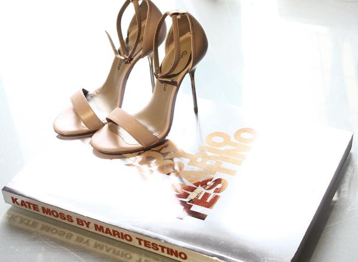 : Pretty Shoes, Heels Snadal, Fashion Details, Street Style, New Fashion, Beautiful Stilettos, Fancy Feet, Fashion Bloggers, Shoes Shoes