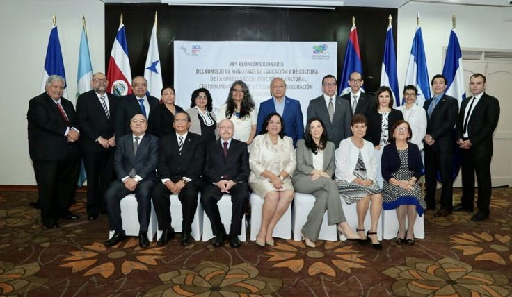 Ministros de Educación de Centroamérica revisan la política educativa de la región