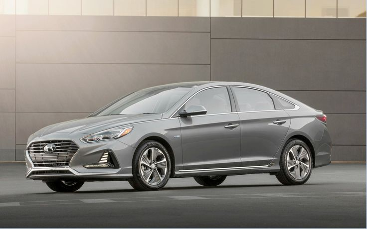 After partially redesigning the current generation of the Sonata a few months ago, Hyundai has just introduced the hybrid and rechargeable versions of its 2018 mid-size sedan at the latest Chicago Auto Show.Exterior changes include a revision of the front and rear parts, front fenders, bonnet and alloy wheels.   #Hyundai Sonata Hybrid and 2018 Rechargeable Sonata Hybrid #Hyundai Sonata Hybrid and Sonata Hybrid Rechargeable 2018 unveils #News #The Car Guide