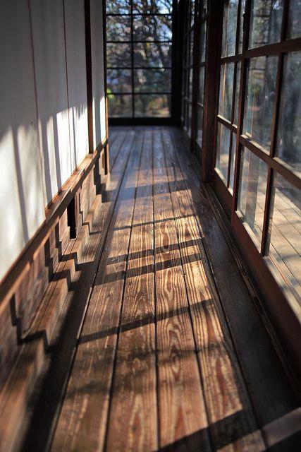 西陽と廊下 by Nam2@7676, via Flickr