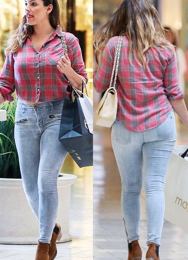 Kelly Brook and David McIntosh Go Shopping Wallpapers, Hollywood Hot Model Kelly and David Going To Shopping on Mall.