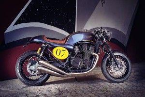 Alexandre Santos e Osvaldo Coutinho são dois engenheiros portugueses, apreciadores das motos e cultura café racer. Criam motos exclusivas, combinando o estilo clássico das café racers dos anos 70 com a dinâmica e comportamento das motos desportivas actuais. Website:www.itrocksbikes.