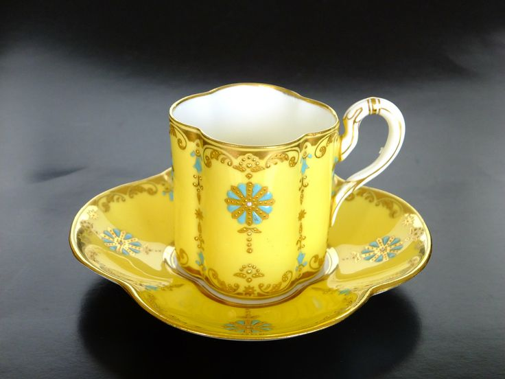 Coalport 1890-1920 Teacup and Saucer (Kazumi Murakami collection)