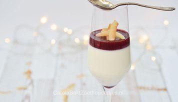 Kokos panna cotta met fruit coulis