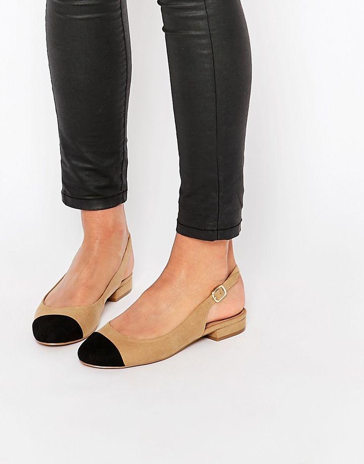 Imagen 1 de Zapatos de antelina con tira posterior y puntera de New Look