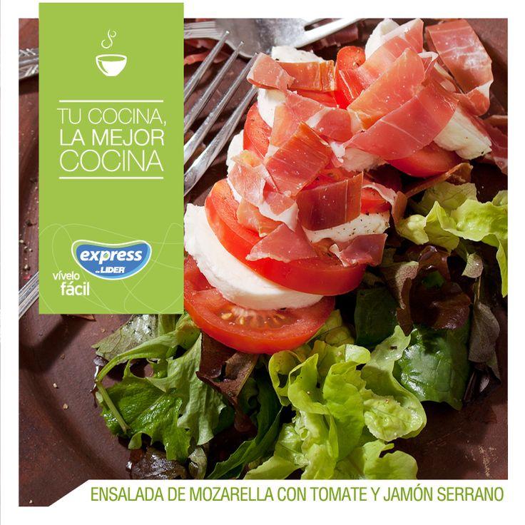 Ensalada de mozarella con tomate y jamón serrano / #ExpressdeLider #RecetarioExpress #Receta #Food #Foodporn #Ensalada #Jamón #Tomate #Mozarella