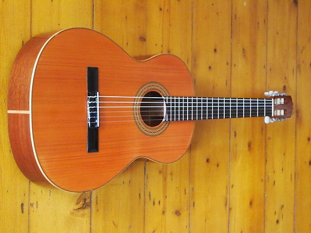 88 best classical guitars images on pinterest acoustic for Luthier valencia