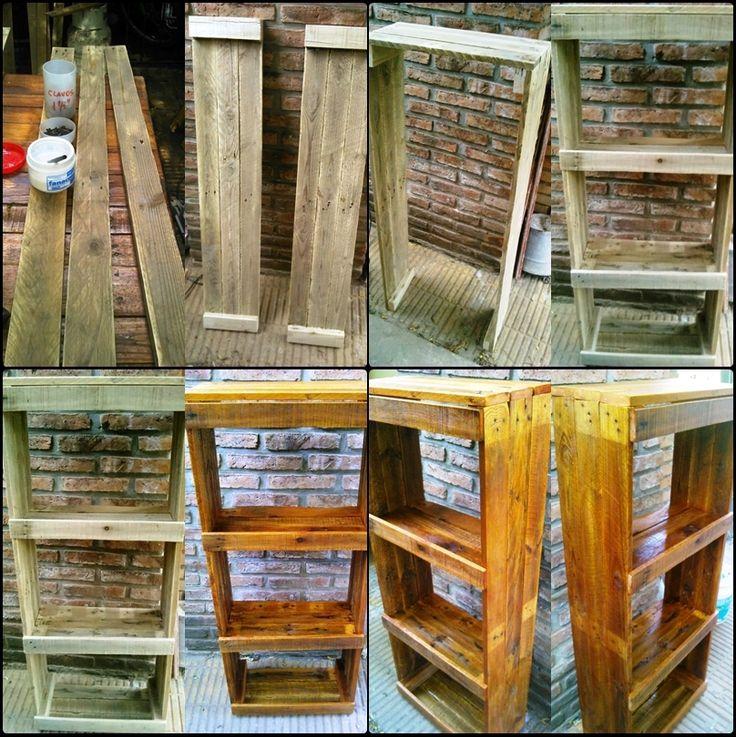 paso a paso, la construcción de una biblioteca , hecha con pallets
