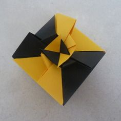Mariage origami and boutiques on pinterest for Accessoire deco jaune