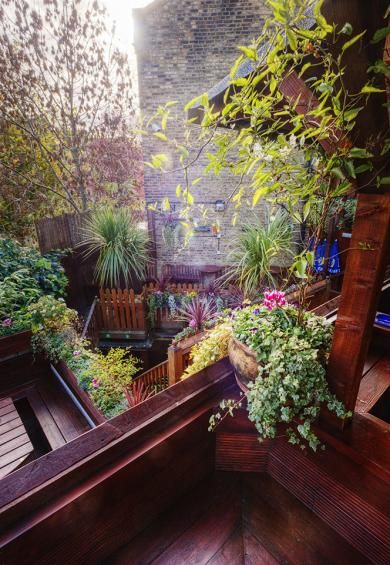 The Faltering Fullback Pub - N4 FInsbury Park, who wouldn't love to drink in a grown-up treehouse?! So cool!