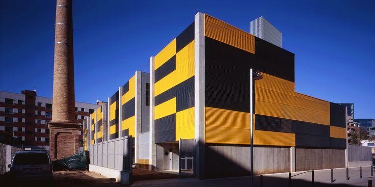 Escuela Pere IV en el barrio de Sant Martí, Barcelona |