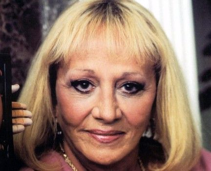 Celebrity Psychic Sylvia Browne Dies at 77, Family Not Release Cause of Death | AT2W