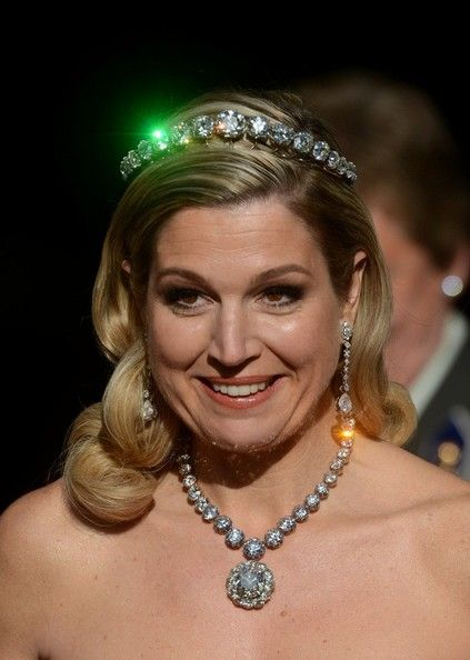 Crown Princess Maxima wears the Stuart diamon necklace. The necklace has not been seen in 40 years. 4/29/13