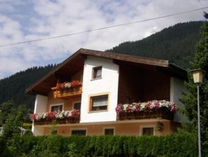 Irene 1  Huis Irene is zeer mooi en centraal gelegen in de gemeente St. Gallenkirch. De (120 m2) grote vakantiewoning met gemeenschappelijke ingang bevindt zich op het gelijkvloers van het huis en heeft vier slaapkamers en een badkamer gezellige keuken woonkamer en mooi terras genoeg plaats en privéruimte voor de hele familie. De vele wandel- en trekpaden evenals zwem- en uitgaansmogelijkheden liggen in een omtrek van 05 tot 1 km. Huis Irene is een echt vakantieadres voor u.  EUR 537.00…