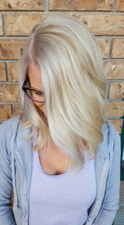 Icey Winter Blonde Lob by Amalia Rauch Curly Wavy Textured ...