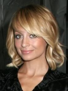 Trendy Long Bob Hairstyles - Do you love your cascading waves, but you still long for a chic change? These long bob hairstyles offer you the chance to sport your wavy or super-sleek tresses in stylish ways. Shoulder-sweeping or shorter tresses will add a refined flair to your look when styled into a bob. Be inspired by the latest long bob hairstyles these celebrities popularize.