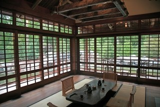 Asian windows. I'd like fewer horizontal lines, to give emphasize to the vertical lines.