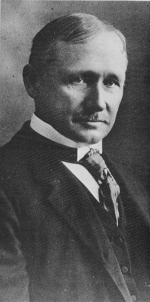 Padre de la administración Frederick Winslow Taylor (20 de marzo de 1856 - 21 de marzo de 1915) fue un ingeniero mecánico y economista estadounidense, promotor de la organización científica del trabajo y es considerado el padre de la Administración Científica.