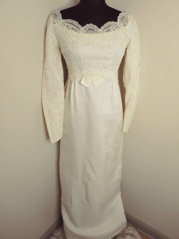 VINTAGE White Lace Pencil Wedding Dress