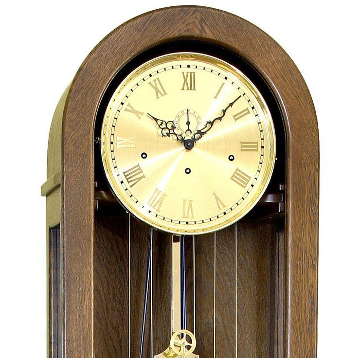 Limax to klasyczny zegar mechaniczny tzw: Babka. Doskonale prezentuje się w dębie ciemnym naturalnym oraz antycznym. W tym zegarze polecam tylko osprzęt złoty.