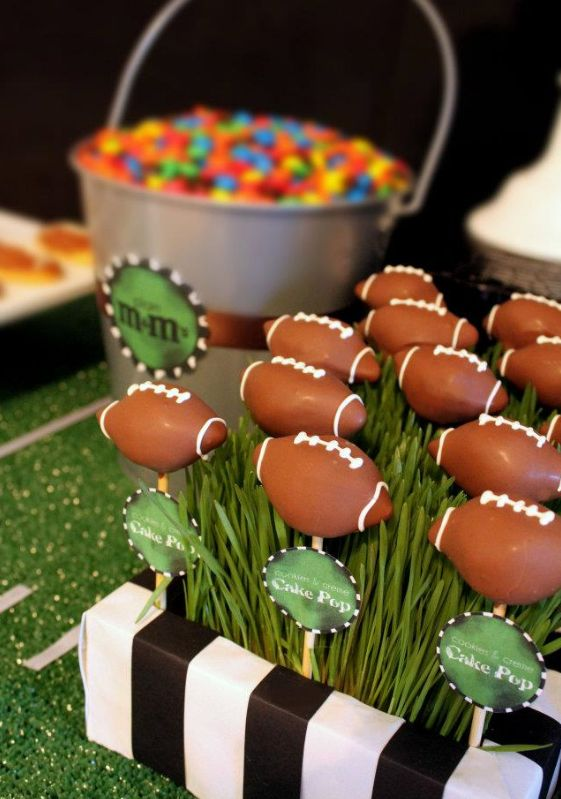 Are you ready for some #football?  Start the season off right with these themed #cake pops from CAKEgoodness @Melinda Piligian