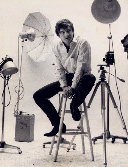 Real-life photographer David Bailey in the *Vogue* studio in Hanover Square, August 1965. Bailey, along with Terence Donovan, Brian Duffy, David Montgomery, and John Cowan, was one of the best-known photographers of the time; together, they were the inspiration for Thomas.     *© Tazio Secchiaroli.*
