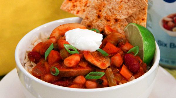 Perfectly spiced, this warming and healthy chili by President's Choice chef Tom Filippou comes together quickly, making it a great weeknight dish. During the final 10 minute simmer, cook up some PC Whole Grain Instant Brown Rice or microwave PC...