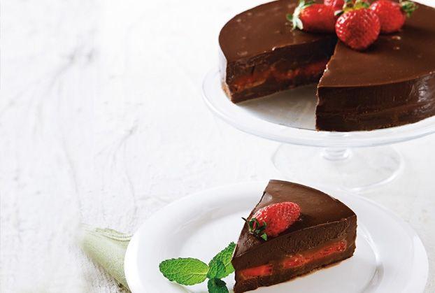 Τούρτα σοκολατίνα ψυγείου με φρέσκες φράουλες