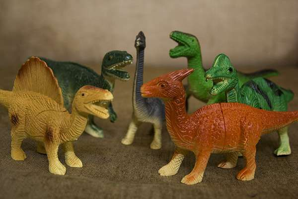 Miniatur Dinosaurus  Isi : 6 Dinosaurus  Contact Letima House Baby Shop : Text & Whatsapp: +62-877-8080-6878  Blackberry Pin : BBM: 512B5D2E / 74B97998