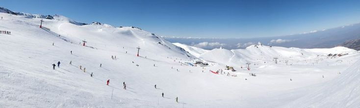 La Estación de Esquí de Sierra Nevada, en Granada, es un excelente lugar para disfrutar de la nieve en España