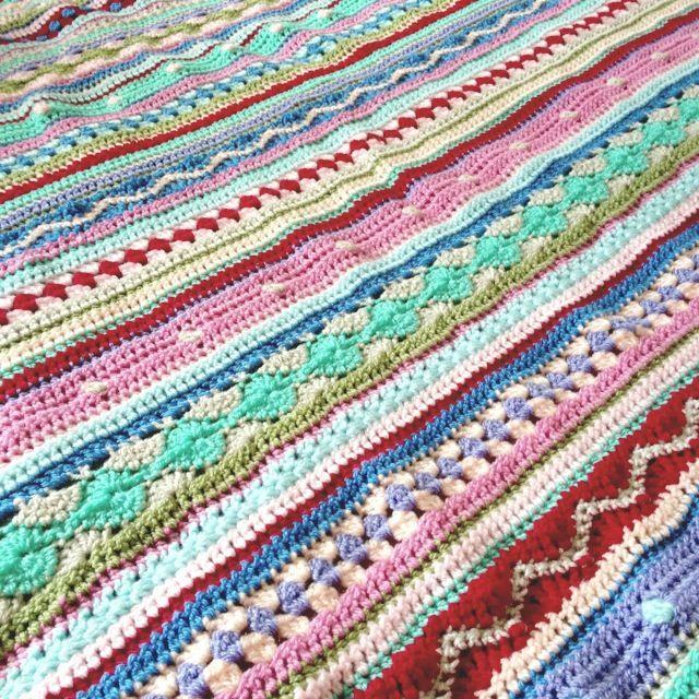As We Go Stripey Blanket-free pattern/tutorial