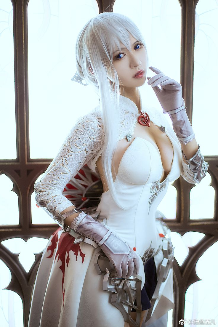 Pin on naked-cosplay