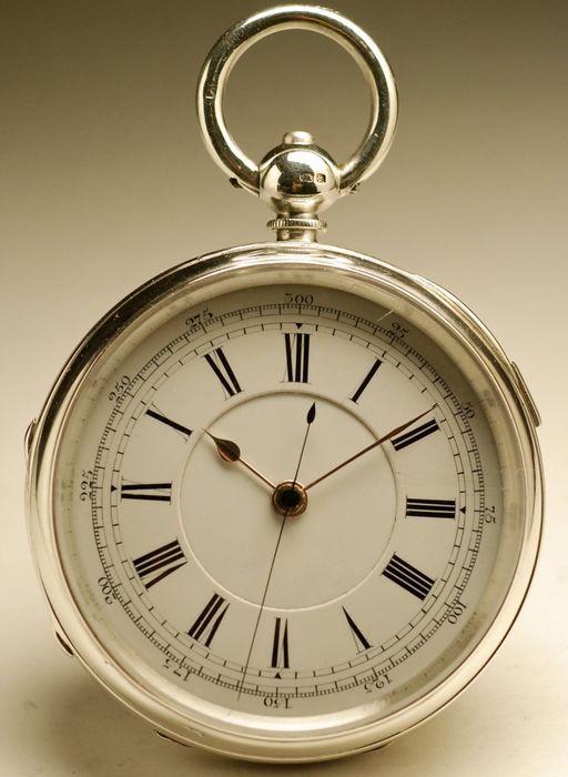 Engelse CHRONOGRAPH zakhorloge - Men's watch - 1890  Antieke Engelse stoppen tweede zakhorloge. Hallmarked zilveren geval. Kast diameter meting: 54 mm zonder de boog Enamelled wijzerplaat met Engelse peervormige handen. Bruto gewicht: 80 gram mechanische hand-wind beweging. Het werd bediend door een meester horlogemaker en werkt perfect.De Assay Office van Birmingham opgericht in 1773 kunnen testen en kenmerken op items gemaakt van edele metalen (goud zilver platina en palladium) zoals…