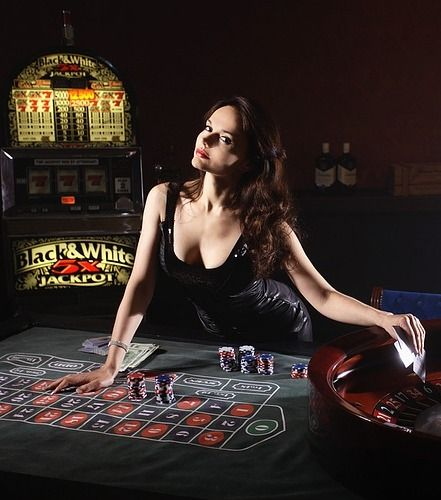 Reviews the top online casinos for slots, blackjack, craps, roulette and video poker. Includes 130+ casino reviews, comparisons, 1000+ free games.  #casino #slot #bonus #Free #gambling #game