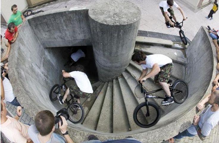 How to descend a spiral stair set! Street BMX at its finest!