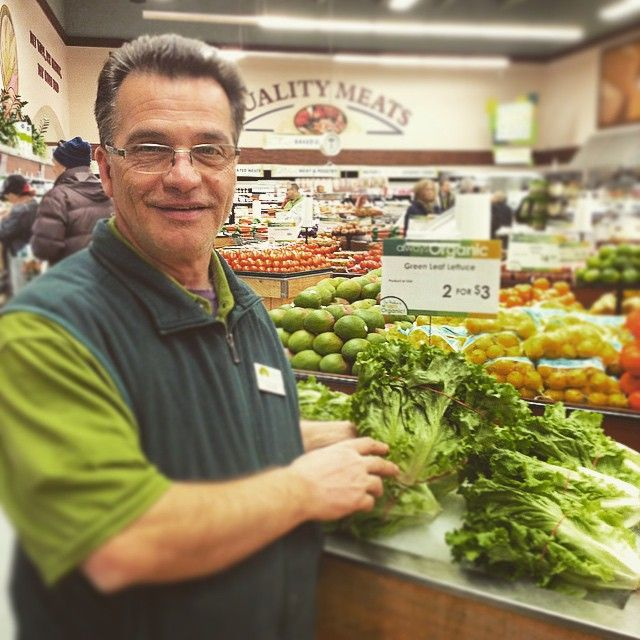 Our #produce buyer and supervisor Augie is all about good deals on organics! For a limited time only get #organic green leaf #lettuce 2 for $3!!! #greens #nongmo #salad #vegan #vegetarian #healthyeats #cleaneating #cleansing #Detox #naturesemporium