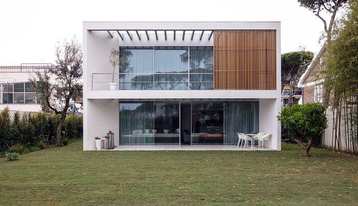 Casa s arq roberto eleuterio remm producto vitrocsa th for Casa minimalista definicion