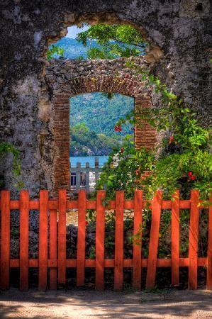 The Ultimate Travel Photo Wall - TripAdvisor Haiti, Caribbean Photo by nickelmedia Bright and Bold
