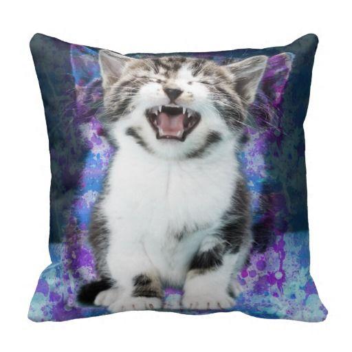 Screaming Cat Throw Pillow