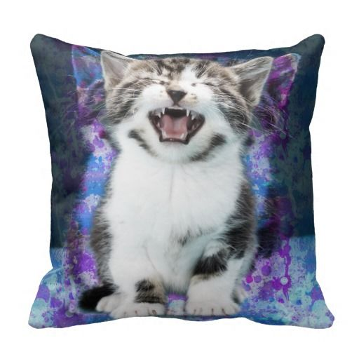 Screaming Cat Throw Pillow