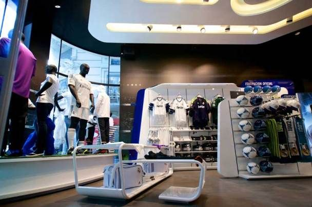 Real Madrid Official Store Gran Vía 31 / sanzpont [arquitectura]